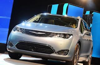 Mobil Minivan Pasifica Dari Fiat Berteknologi Google