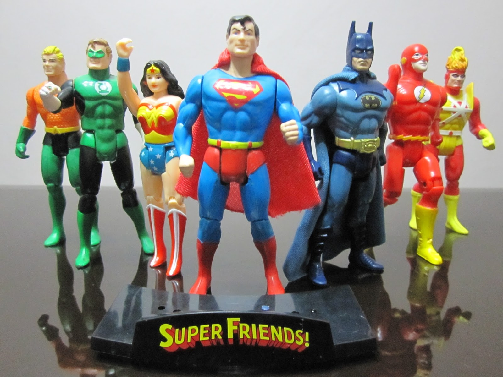 Calex Lampen Action : A retrospective of the justice league in toy form action figure