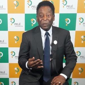 ►Cotado para acender a pira olímpica, Pelé diz que está fora da Abertura