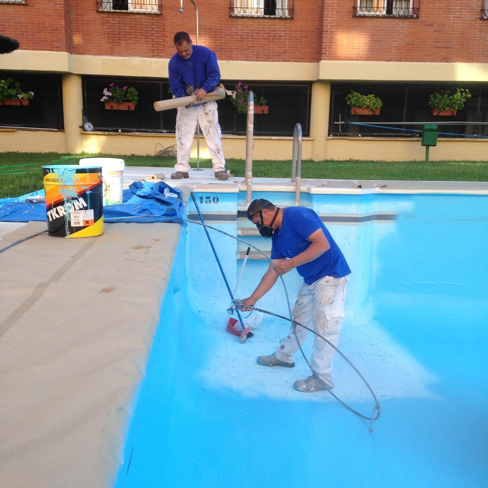 Trabajos verticales en sevilla llega el verano es el for Pintura piscina clorocaucho