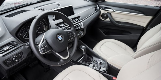 2017 BMW X1 XDRIVE28I Interior
