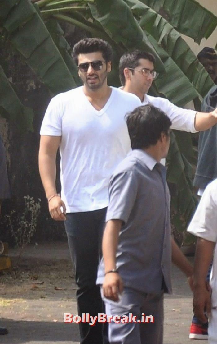 Arjun Kapoor, Celebs Visit Ravi Chopra's Funeral