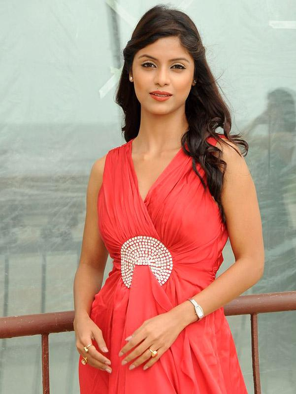 Bollywood Hot Missing Beauty-Hd Wallpaper  Taste Wallpapers-1325