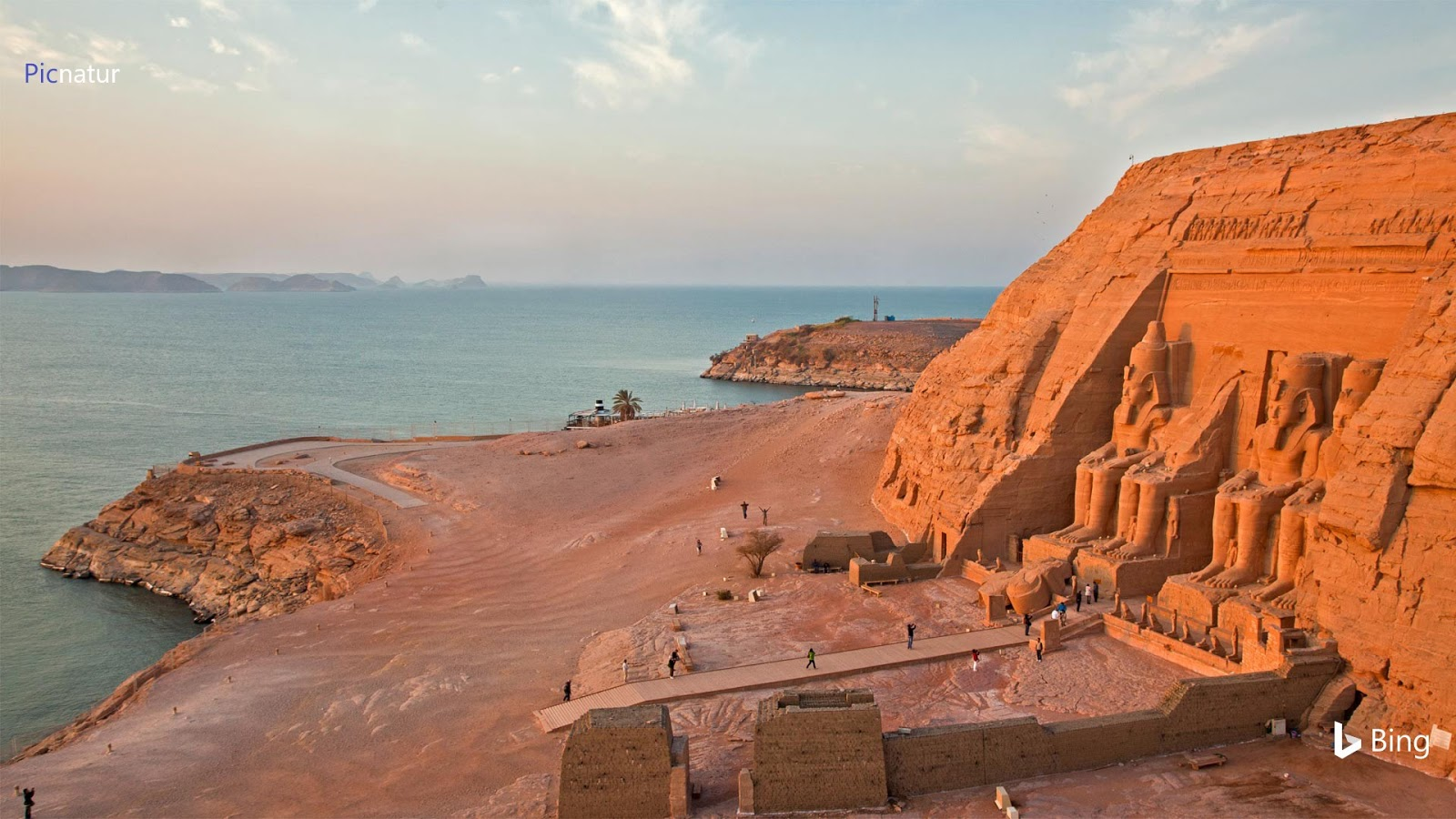The Abu Simbel temples on the west shore of Lake Nasser, Egypt © George Steinmetz/Getty Images
