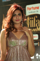 Telugu Actress Aarthi in Deep Neck Backless Golden Gown at IIFA Utsavam Awards 2017 Exclusive 32.JPG
