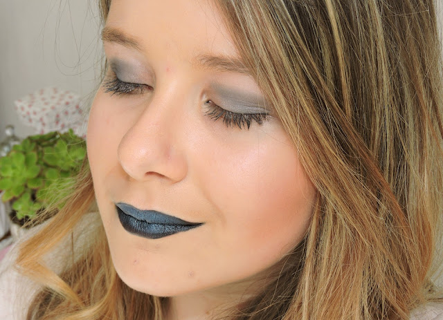 makeup-navy