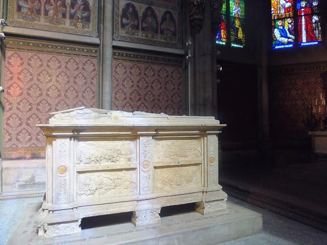 Sarcófago renacentista de Nikla Salm (Viena) (@mibaulviajero)