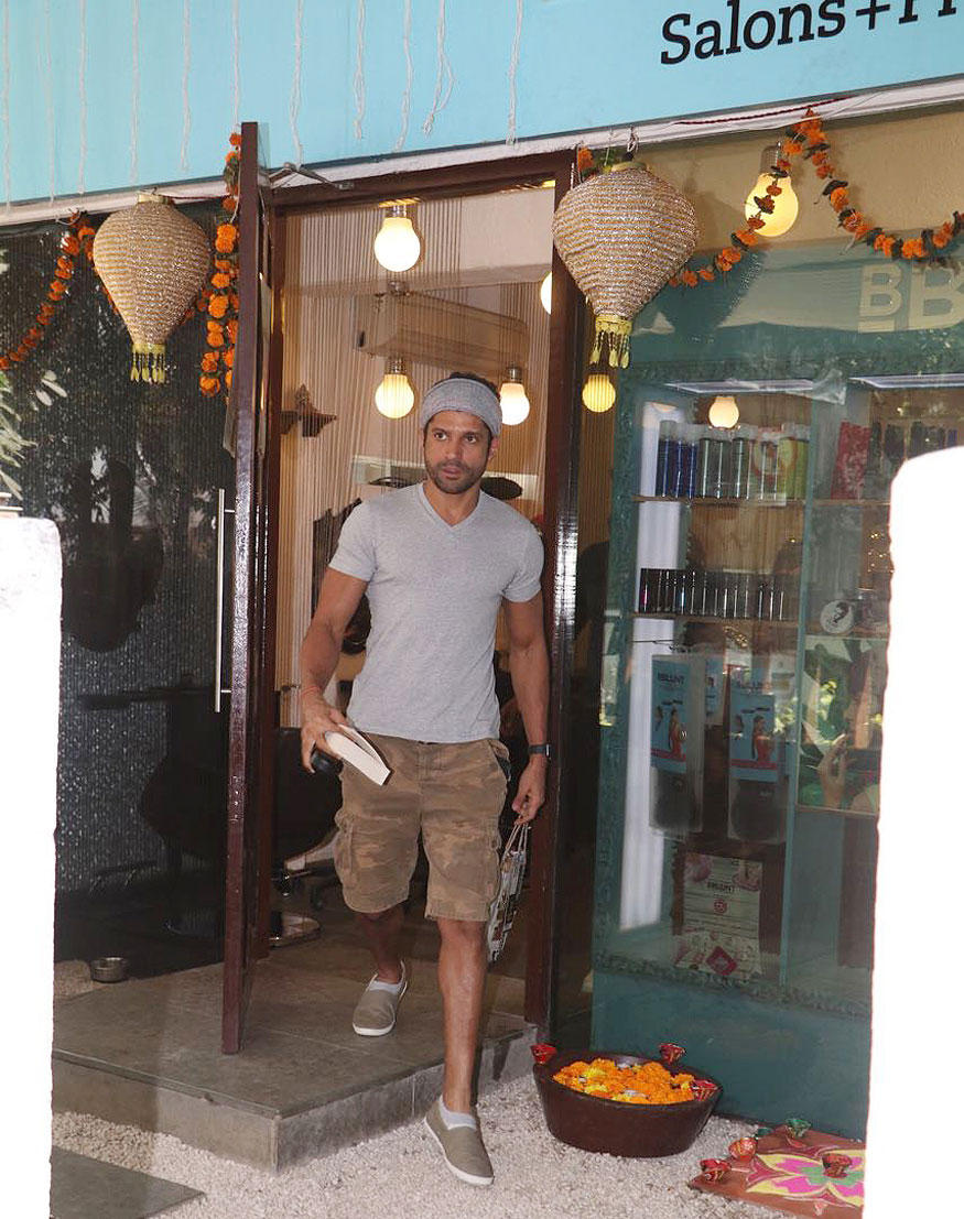 Farhan Akhtar spotted at BBLUNT Salon