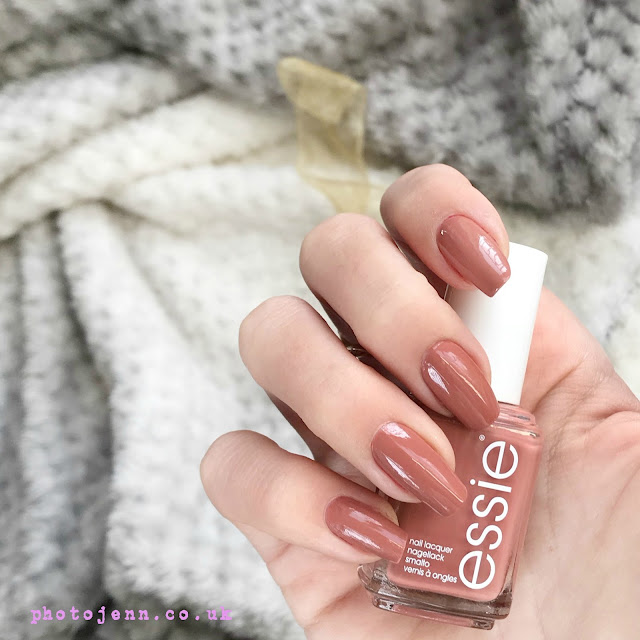 essie-winter-2017-suit-and-tied-review-swatch