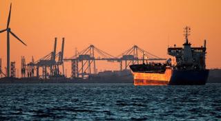 ارتفاع اسعار النفط العالمية بسبب مخاوف من نقص النفط الإيراني بسبب العقوبات الأمريكية