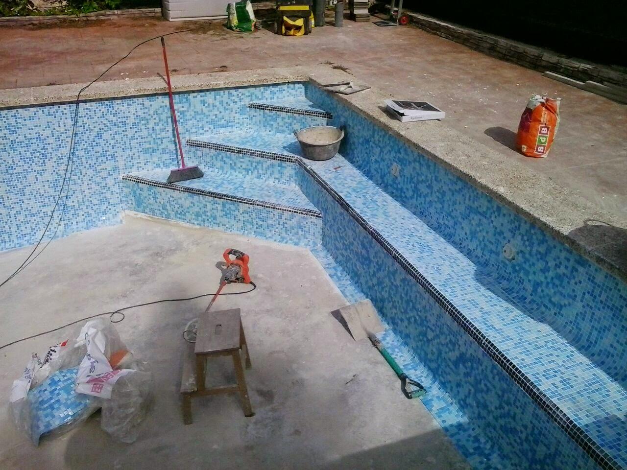 escaleras obra en piscinas