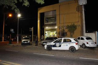 http://vnoticia.com.br/noticia/2207-genro-se-entrega-e-confessa-ter-matado-idoso-em-sao-joao-da-barra