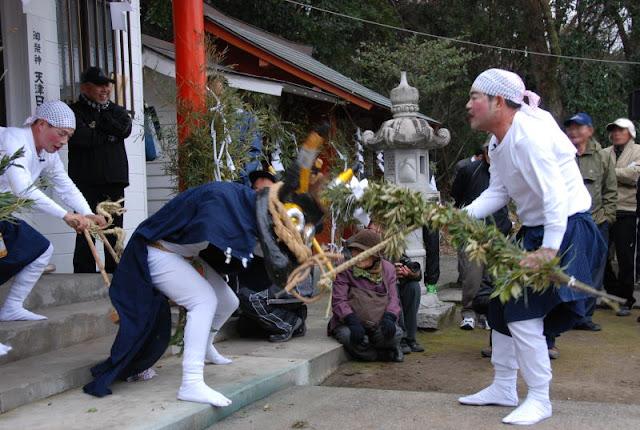 Gaun Gaun Festival at Fukada Shrine, Ichikikushikino City, Kagoshima