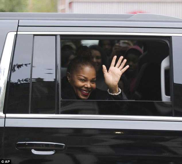 Janet-Jackson-visits-childhood-home-in-Gary,-Indiana-with-brother-Randy