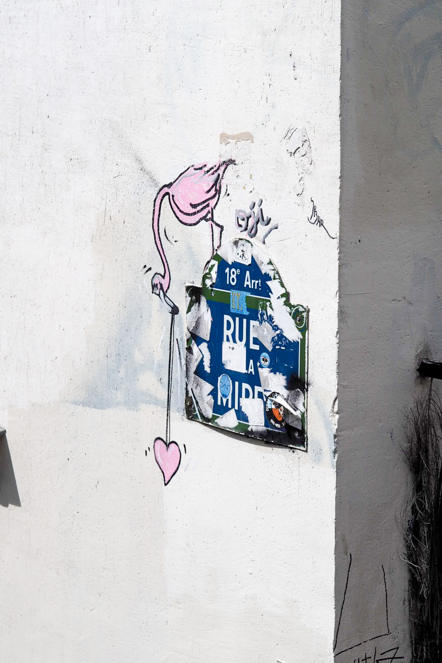 Flamingo street art in Montmartre