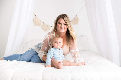 Kitchener Breastfeeding Photos - Mommy and Me