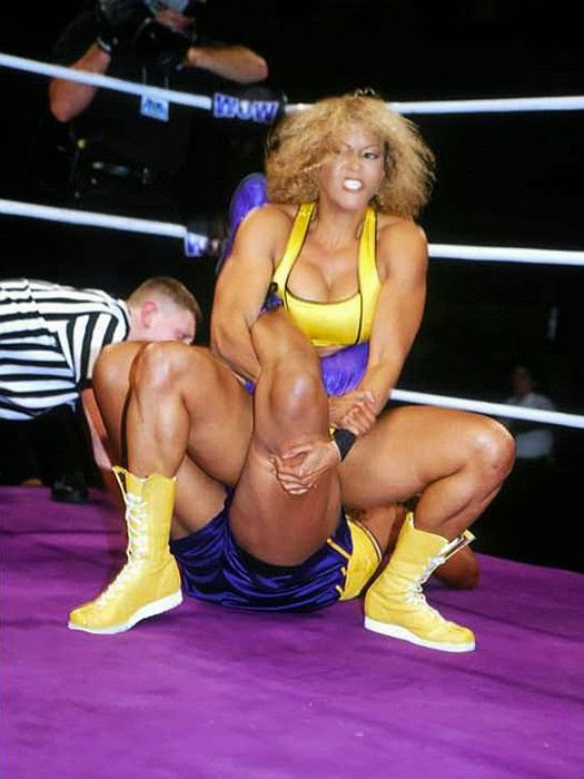 girl-nude-female-pro-wrestlers