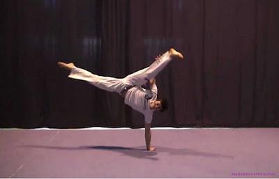 Au gerakan teknik dasar capoeira - berbagaireviews.com