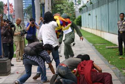 tindakan kekerasan