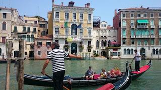 Venecia y sus góndolas.