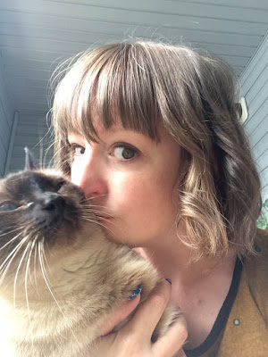Pantene Hair and Kitty Kisses; Pantene Intense Hydration Shampoo and Conditioner; Blush VoxBox