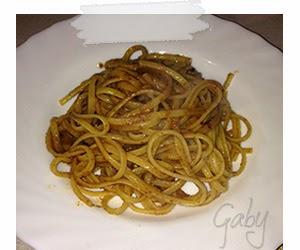 Pasta con bottarga, olio e peperoncino