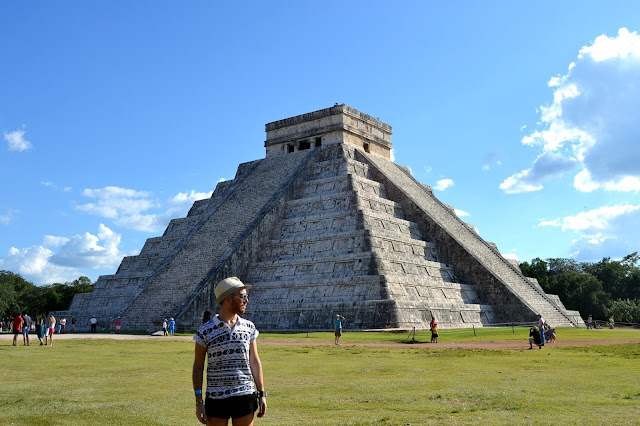 http://www.syriouslyinfashion.com/2016/02/mexico-chichen-itza-site.html