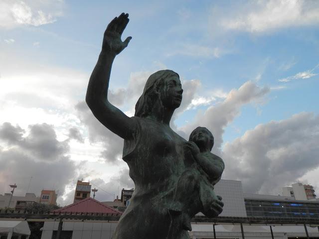 Maternidad, afecto, cuidados,