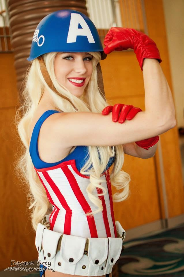 Captain America Sexy Lady Cosplay