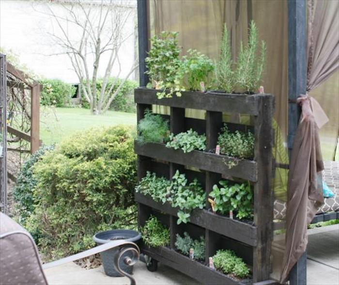 30+ Pallet Planter Create Ideas