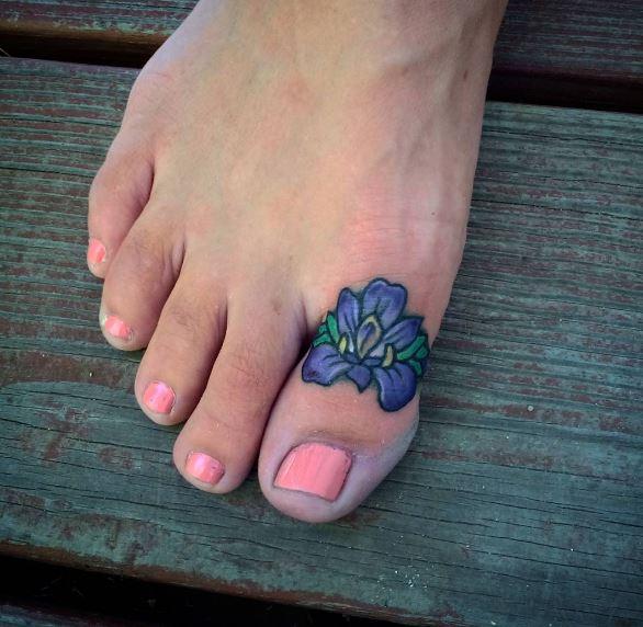cute toe tattoos ideas men