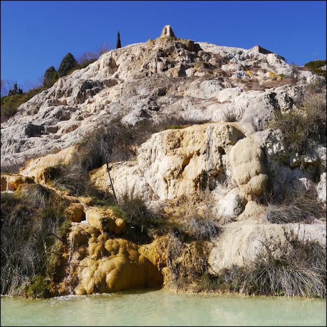 Fotografia a colori del Parco dei Mulini a Bagno Vignoni