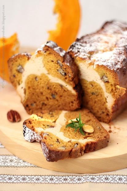 słodki korzenny chlebek dyniowy z serem