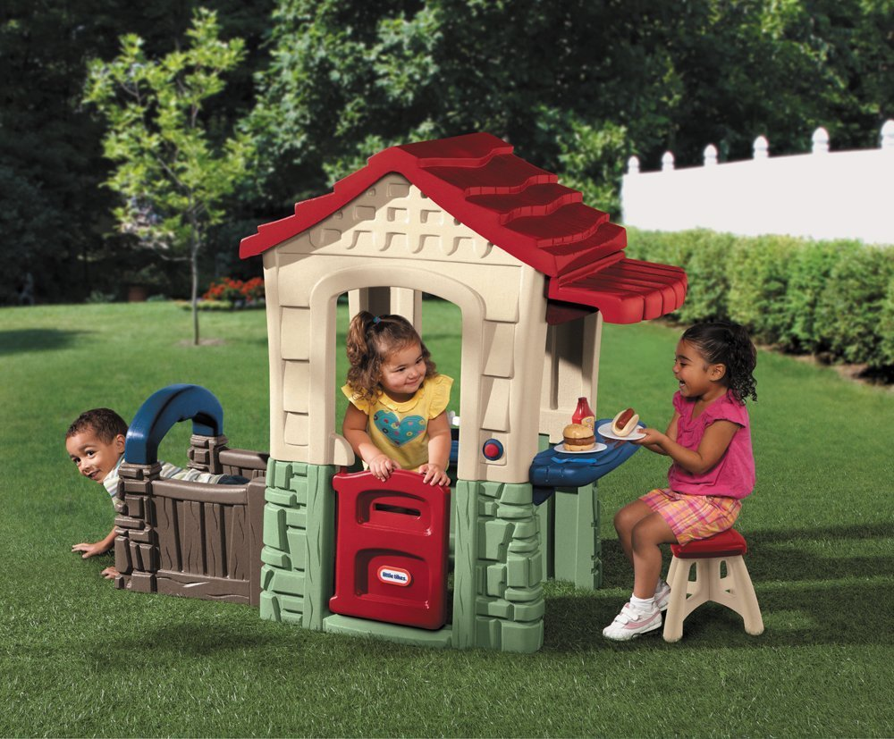 Plastic indoor outdoor playsets playhouses for toddlers for Boys outdoor playhouse