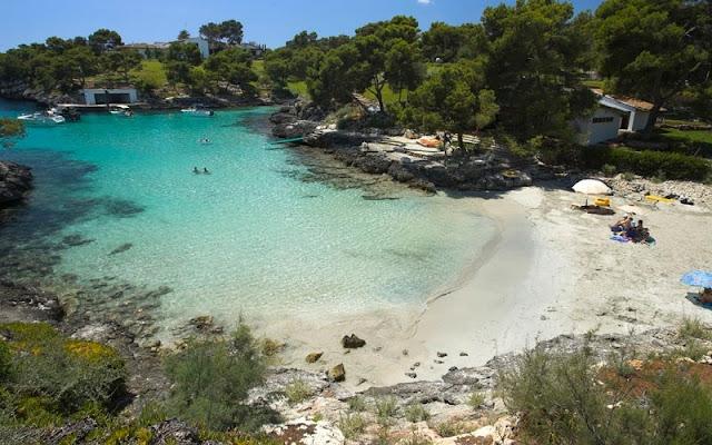 Cala Mitjaa em Menorca