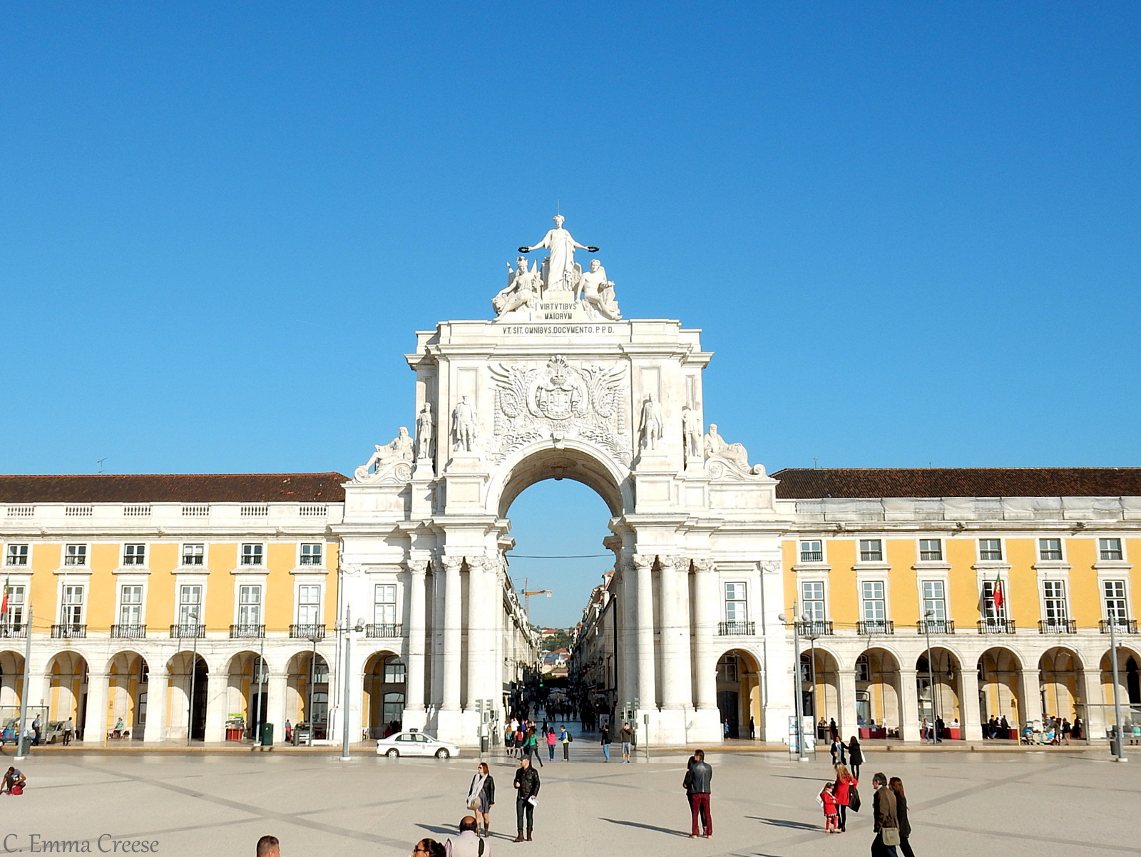 Things to do in Lisbon - wander the Praca do Commercial