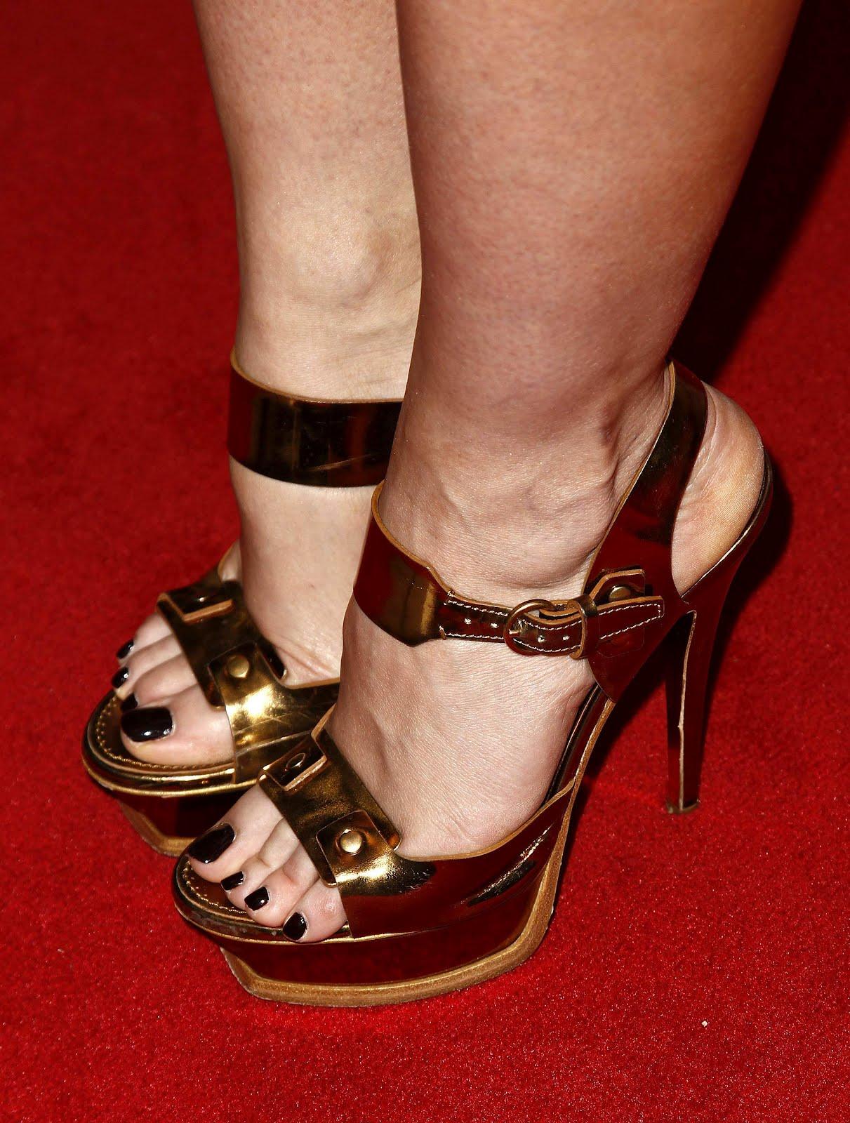 Celebrity Feet: Jennifer Love Hewitt