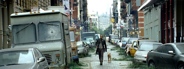 El Dr. Neville recorre las calles desoladas de Nueva York