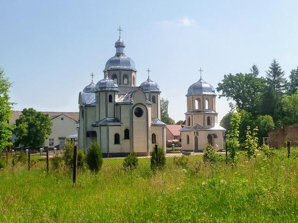 Подгорцы. Церковь