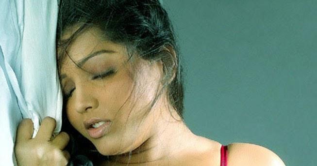 Meghna Naidu Hottest Pics
