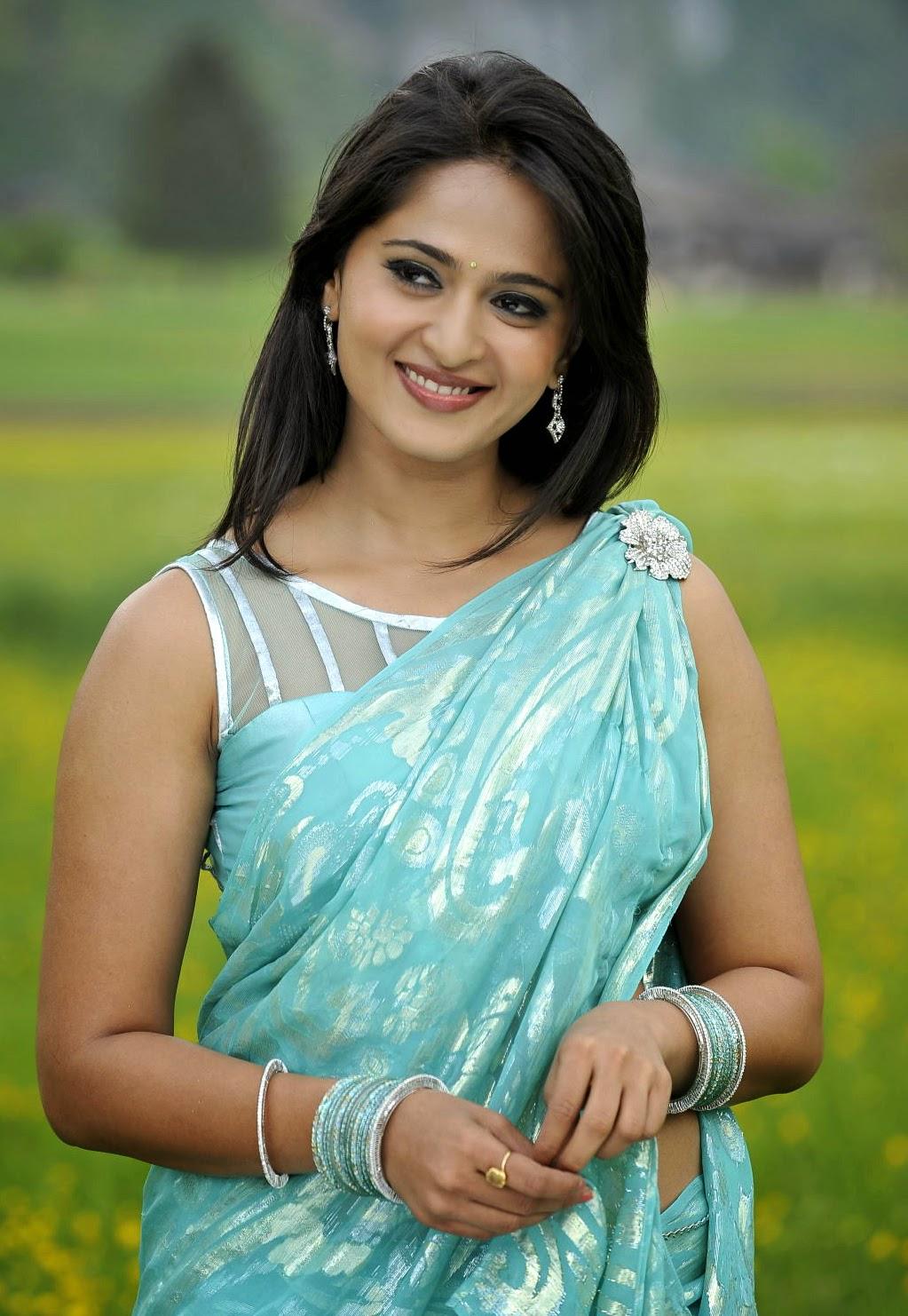 Anushka Hot In Saree Hd Wallpapers Hd Wallpapers Download-6784
