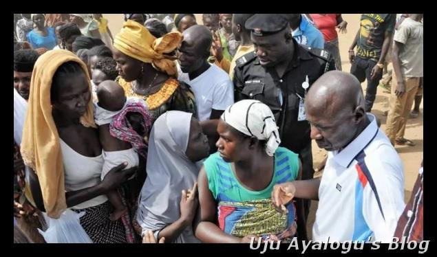 EFCC's Ibrahim Magu begins New Year celebration with Boko Haram victims (photos)