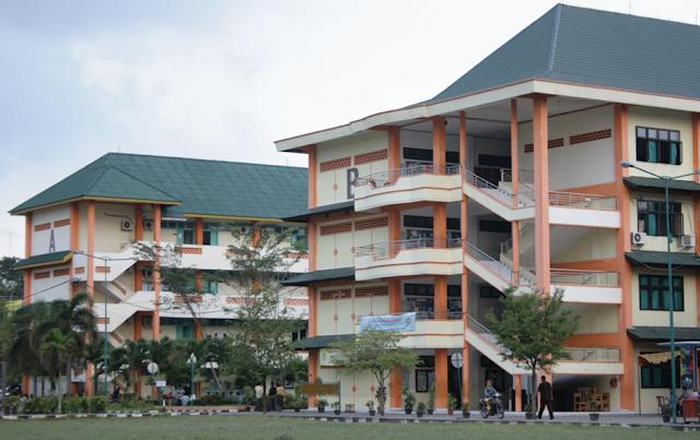 Kelas Karyawan Universitas Termurah di Medan