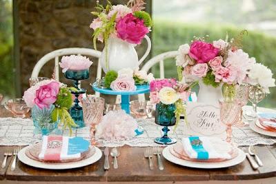 outdoor garden bridal shower, pink bridal shower ideas, vintage style bridal showers