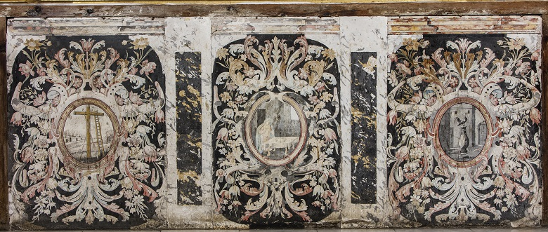 Frontal de altar de escayola de la iglesia de Santa Eulalia en Palma