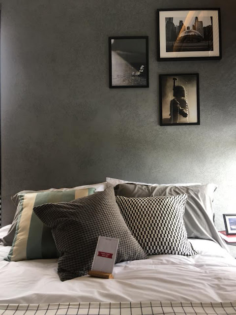 Texture wall to makeover your old bedroom : 8 tips to enhance your bedroom