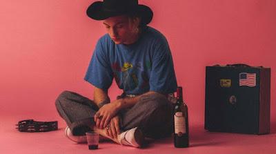 Avec son nouveau single Burning Inside, disponible chez SPNG Records, Lukas Ionesco démontre la profondeur de sa singularité artistique. Sur LACN