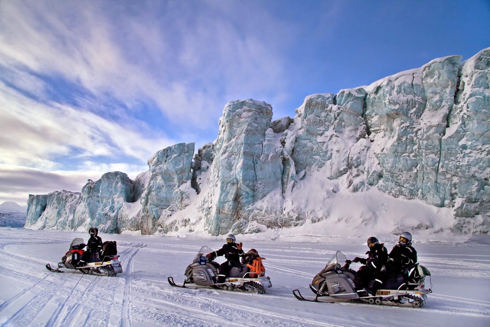 In motoslitta alle Svalbard - Foto Marcela Cardenas svalbard.net©