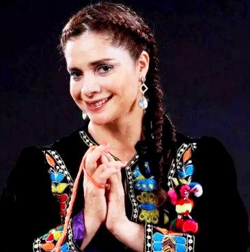 Foto de Victoria de Ayacucho con traje bordado