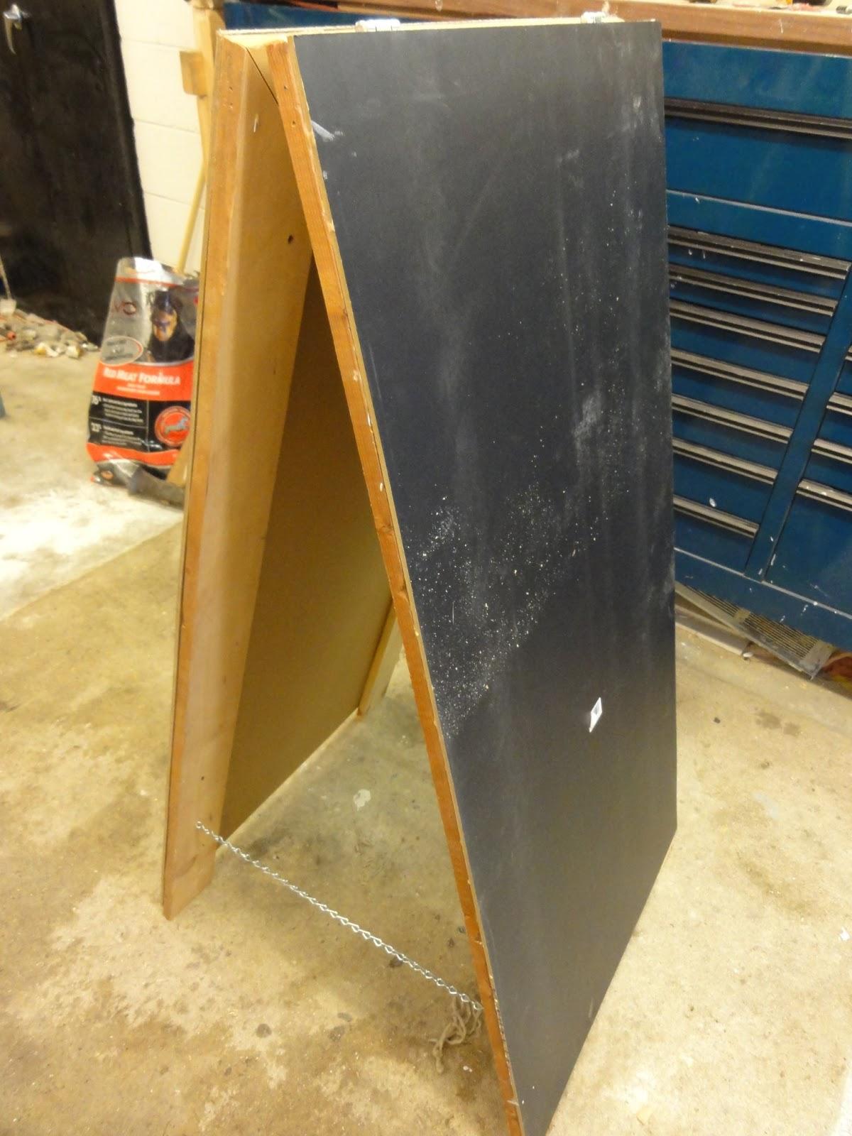 love life from scratch how to make a chalkboard sidewalk sandwich board. Black Bedroom Furniture Sets. Home Design Ideas